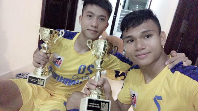 Chủ tịch Nghệ An tặng bằng khen cho 4 cầu thủ thi đấu cho U23 Việt Nam - Ảnh 1