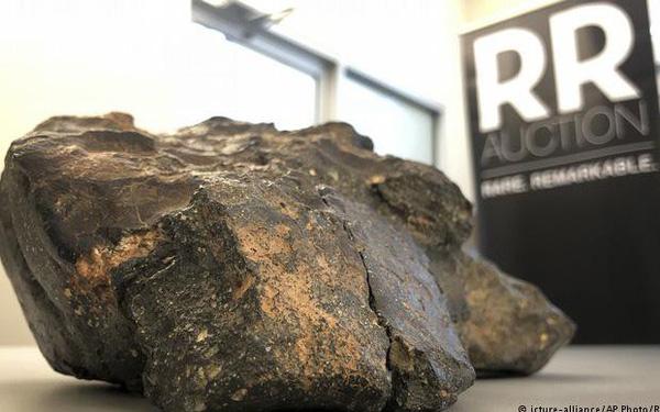 Sự thật công dụng của viên thiên thạch Mảnh ghép Mặt Trăng trị giá hơn 14 tỷ - Ảnh 1