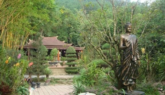Điều tra vụ thi thể nam thanh niên trong khuôn viên chùa Huyền Không Sơn Thượng - Ảnh 1