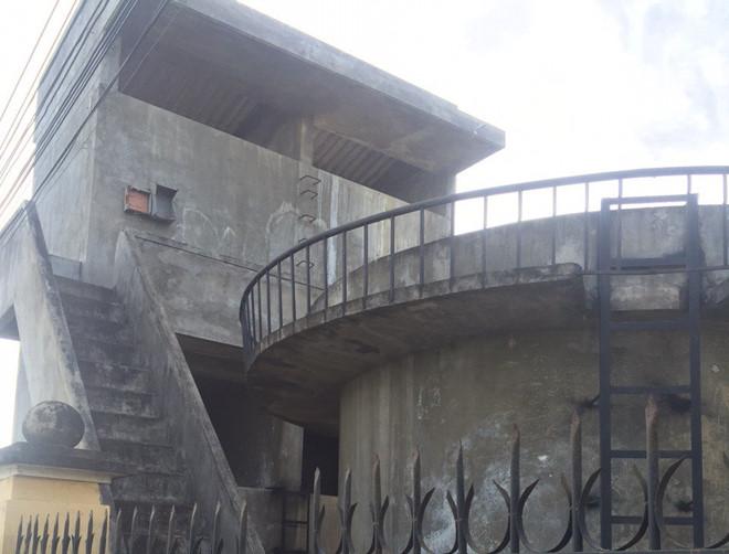 Cán bộ huyện treo cổ tự tử ở đài nước - Ảnh 1