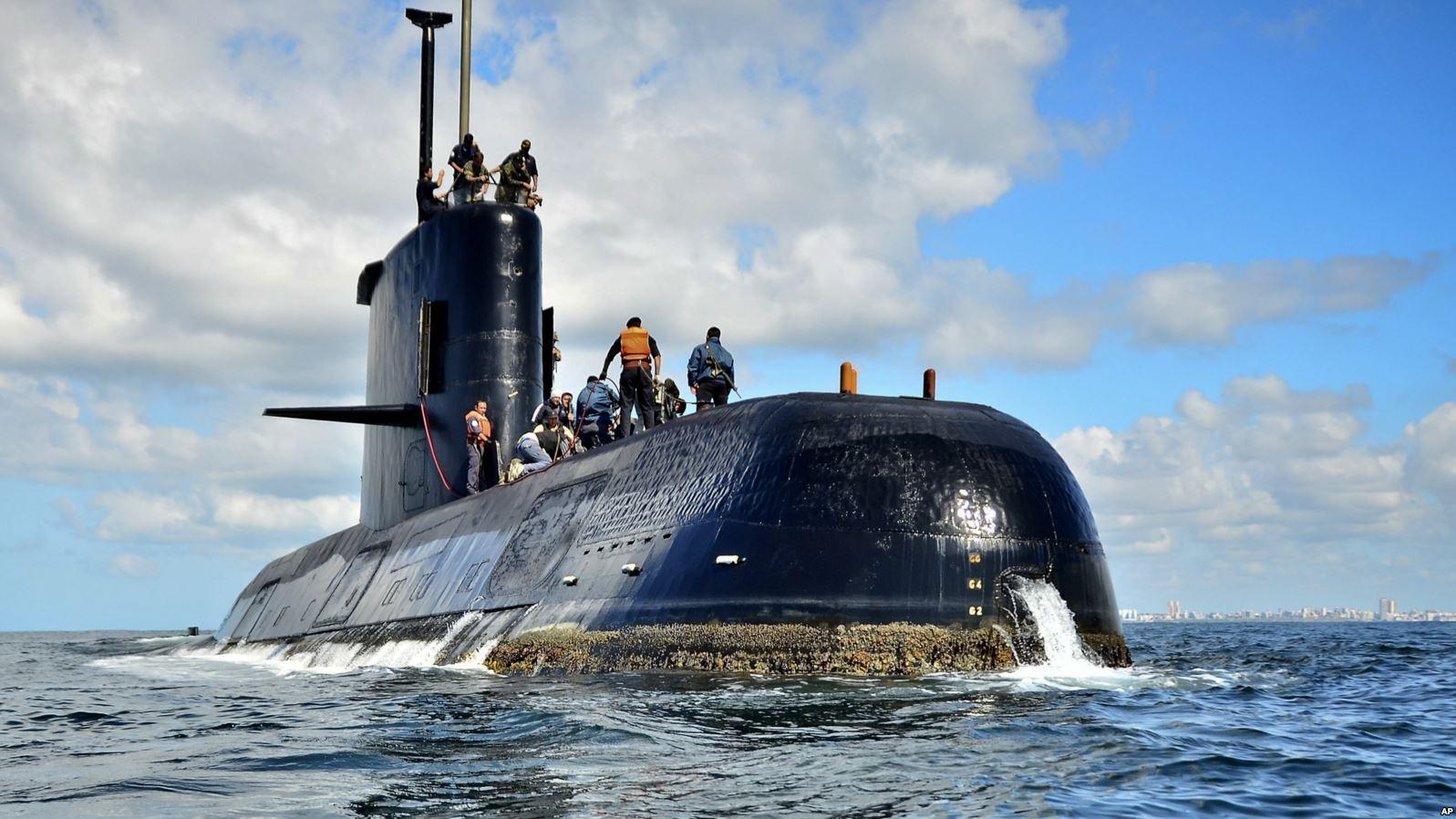 Argentina thừa nhận không có khả năng trục vớt tàu ngầm bị chìm - Ảnh 1