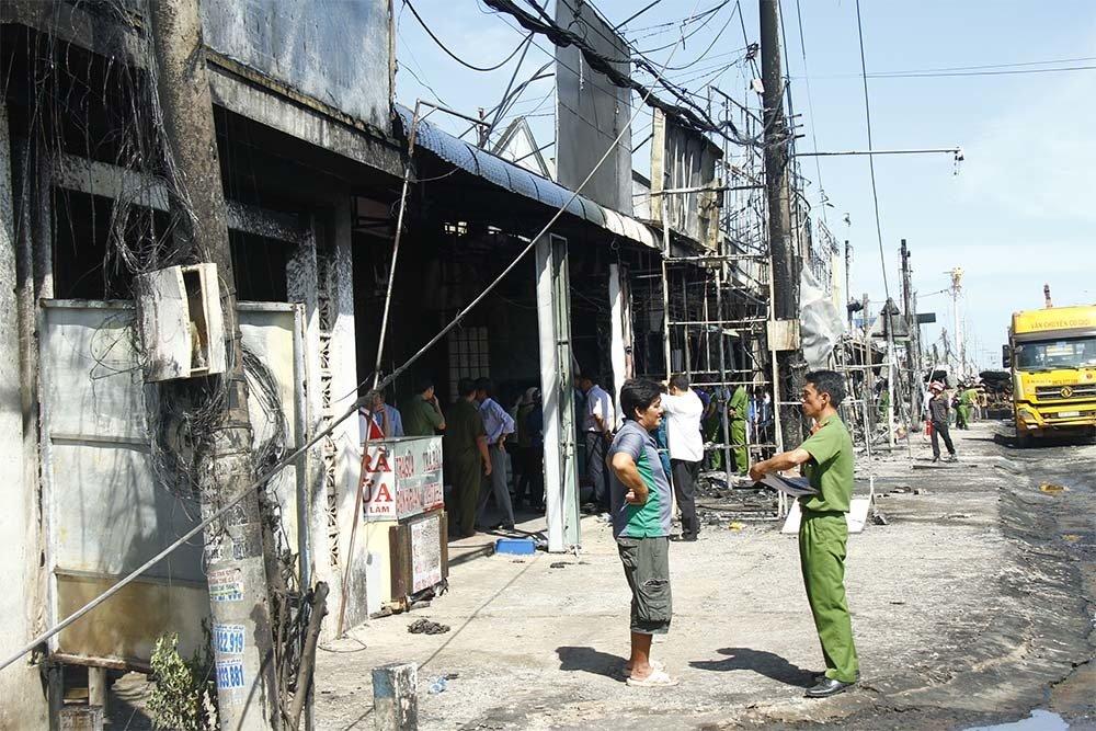 Vụ xe bồn bốc cháy ở Bình Phước: Người đàn ông đau đớn cùng cực vì mất vợ và 2 con - Ảnh 2