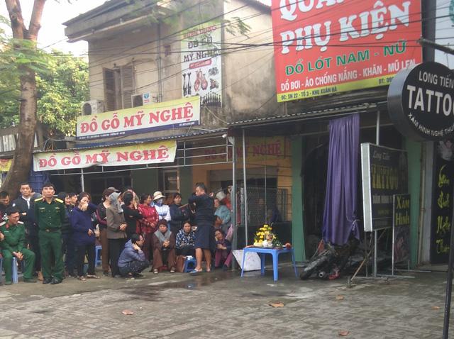 Cháy cửa hàng quần áo lúc nửa đêm ở Hà Nội, 1 người tử vong - Ảnh 1