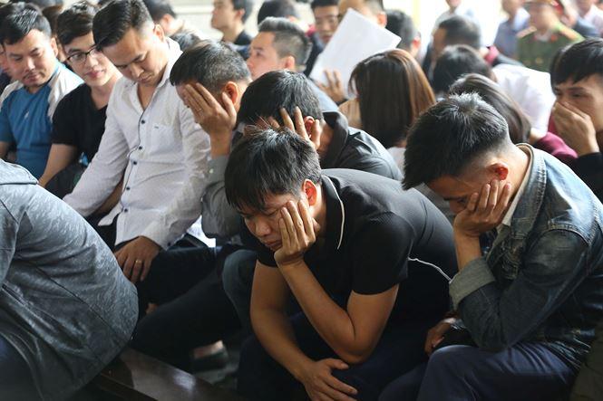Ông Phan Văn Vĩnh, Nguyễn Thanh Hóa phải vào phòng y tế khi ra nghe tuyên án - Ảnh 5