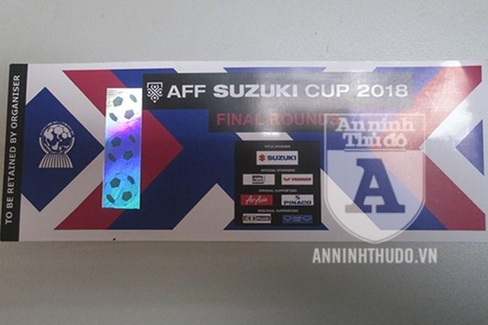 """Chung kết AFF Cup 2018: Vé thật giá cao ngất ngưởng, vé giả tràn lan """"bủa vây"""" người hâm mộ - Ảnh 1"""
