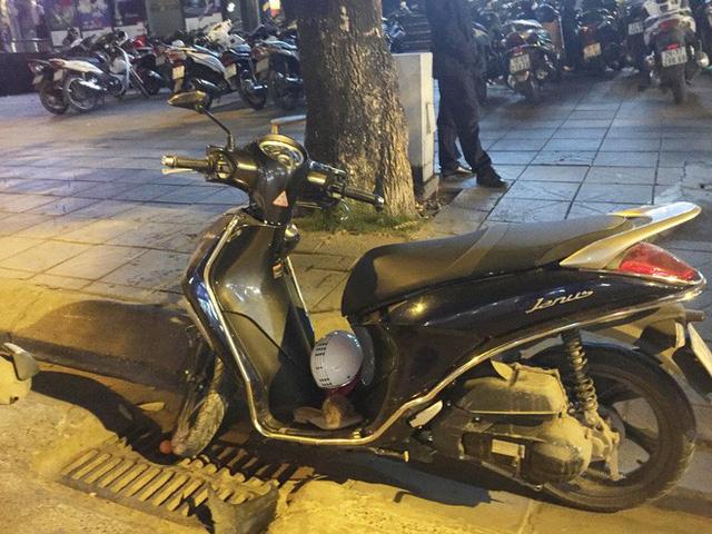 """Hà Nội: """"Xe điên"""" gây tai nạn trên phố Trần Duy Hưng, 2 bà bầu nhập viện - Ảnh 2"""
