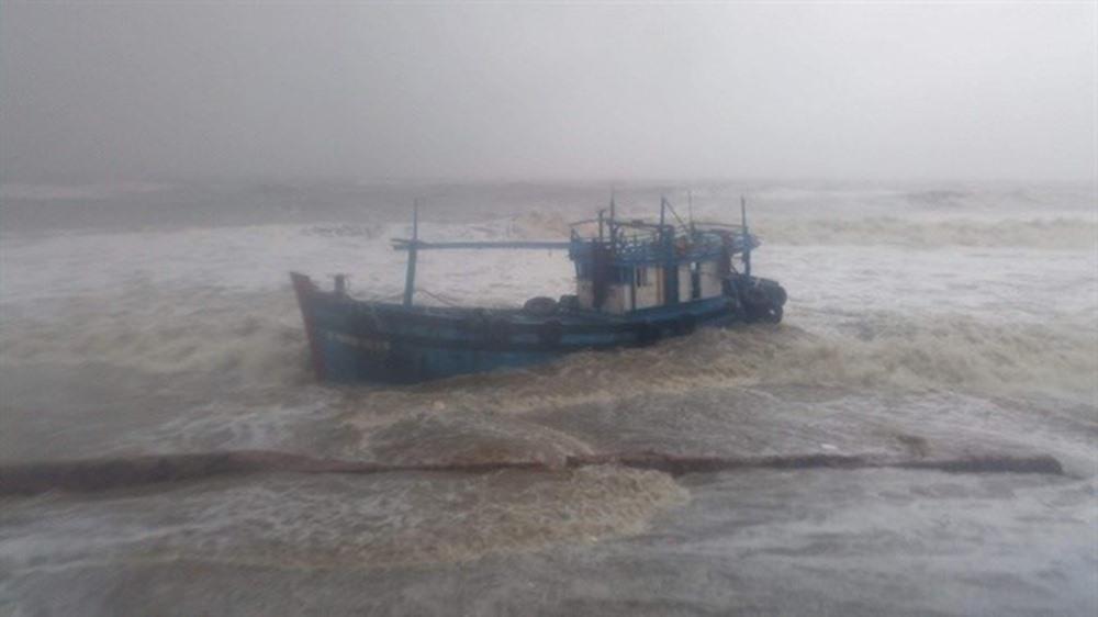 2 ngư dân mất tích trên vùng biển Trường Sa - Ảnh 1