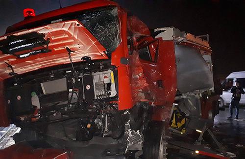 Vụ ô tô khách đâm xe cứu hỏa trên cao tốc: Chủ xe khách lên tiếng - Ảnh 1
