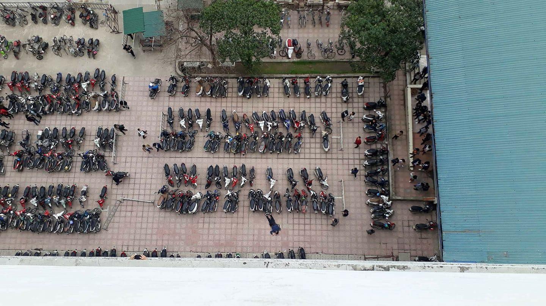 Hà Nội: Sinh viên ĐH Kiến trúc rơi từ tầng cao xuống đất - Ảnh 1