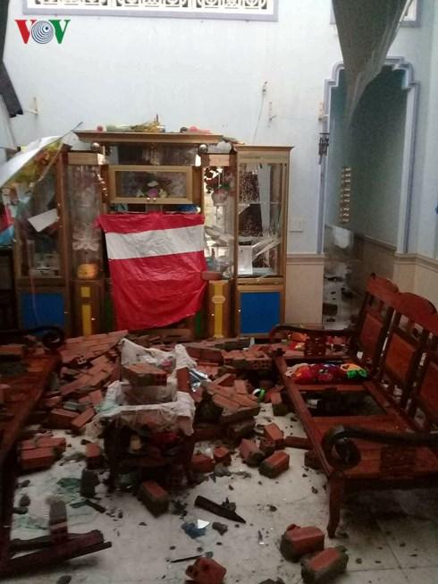 Mưa đá, lốc xoáy khiến 600 ngôi nhà bị hư hỏng, 3 người trọng thương - Ảnh 1
