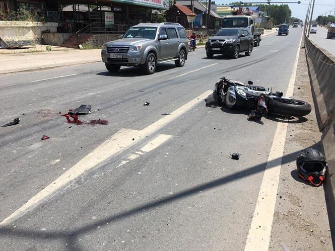 Tay chơi mô tô phân phối lớn tử vong sau cú va chạm với xe tải - Ảnh 1