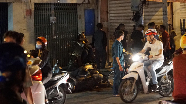 """Hiện trường vụ 2 """"hiệp sĩ"""" ở Sài Gòn bị đâm chết: Cách trụ sở công an phường 20m - Ảnh 4"""