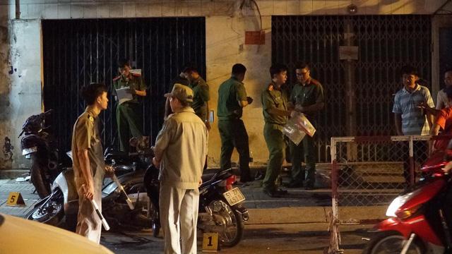 """Hiện trường vụ 2 """"hiệp sĩ"""" ở Sài Gòn bị đâm chết: Cách trụ sở công an phường 20m - Ảnh 6"""