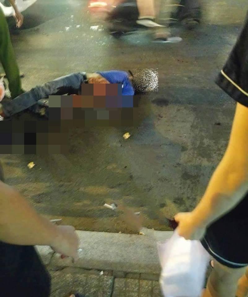 """Hiện trường vụ 2 """"hiệp sĩ"""" ở Sài Gòn bị đâm chết: Cách trụ sở công an phường 20m - Ảnh 2"""