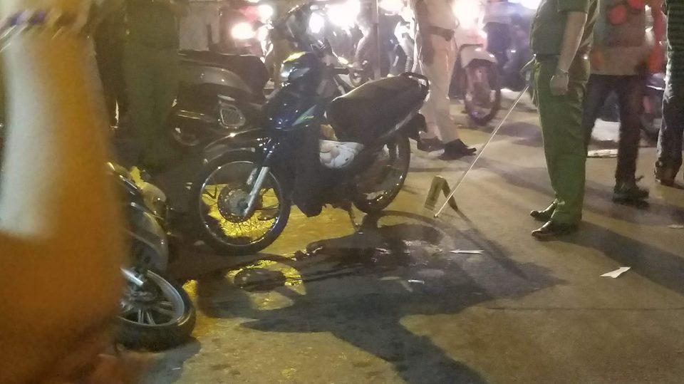"""Hiện trường vụ 2 """"hiệp sĩ"""" ở Sài Gòn bị đâm chết: Cách trụ sở công an phường 20m - Ảnh 8"""