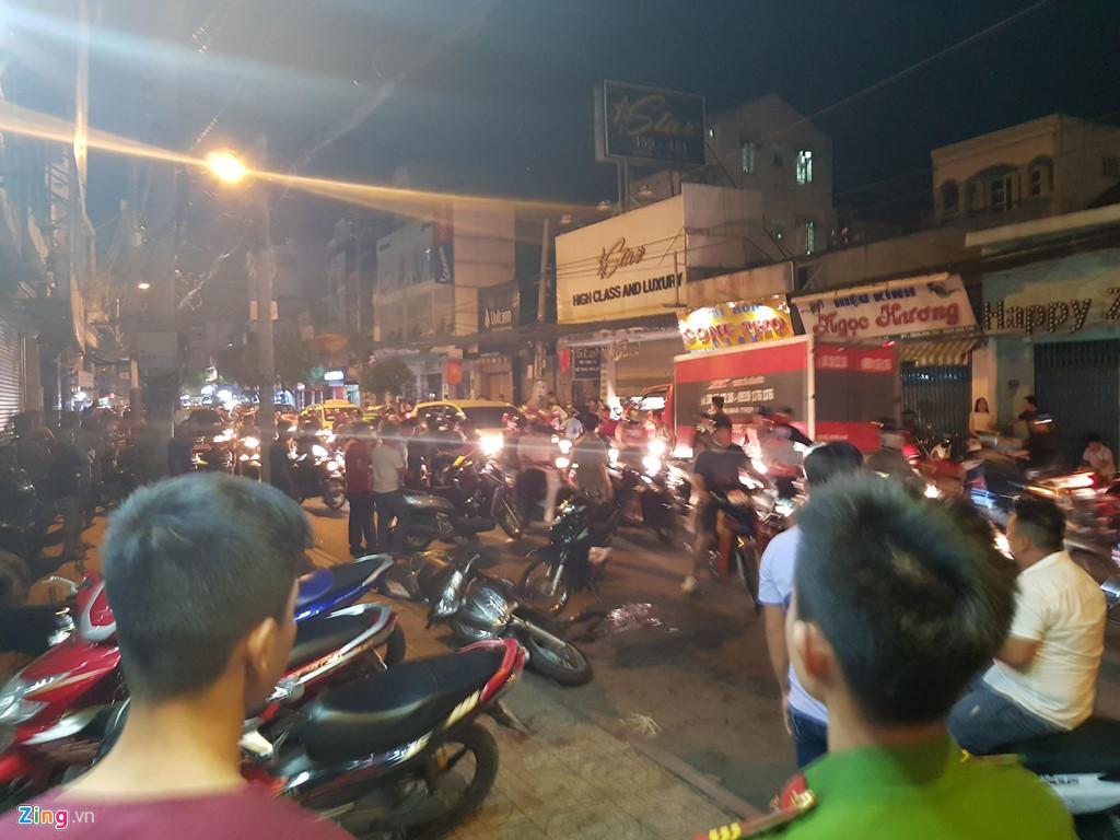 """Hiện trường vụ 2 """"hiệp sĩ"""" ở Sài Gòn bị đâm chết: Cách trụ sở công an phường 20m - Ảnh 7"""