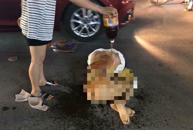 Tình tiết bất ngờ vụ cô gái bị lột đồ, đổ nước mắm nghi đánh ghen ở Thanh Hóa - Ảnh 1
