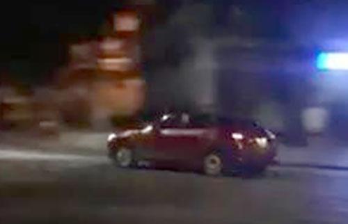 Tài xế xe Mazda 3 phóng tốc độ cao, gây náo loạn ven Hồ Gươm - Ảnh 1