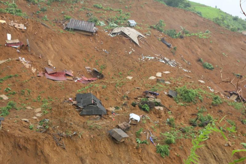 """Hiện trường 24 ngôi nhà bị lũ quét """"nuốt chửng"""" ở Lai Châu - Ảnh 3"""