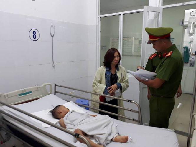 Vụ tai nạn 13 người chết ở Quảng Nam: Tiếng khóc xé lòng tại hiện trường - Ảnh 2