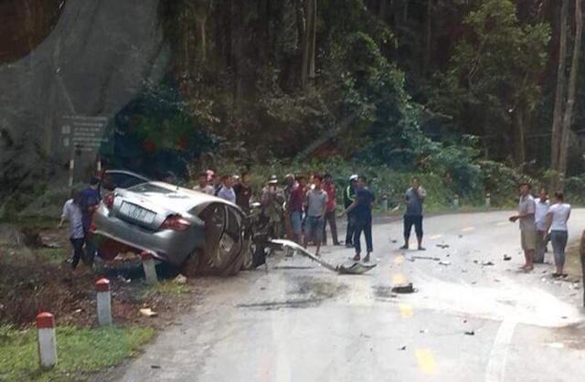 Tin tai nạn giao thông mới nhất ngày 26/8/2018: Tàu hỏa đâm xe ô tô, 2 người tử vong - Ảnh 2