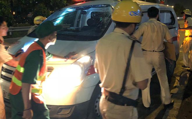 Hiện trường vụ xe cấp cứu bị container tông biến dạng - Ảnh 2