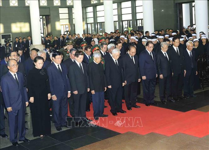Nhiều đoàn lãnh đạo các nước đến viếng Chủ tịch nước Trần Đại Quang - Ảnh 2