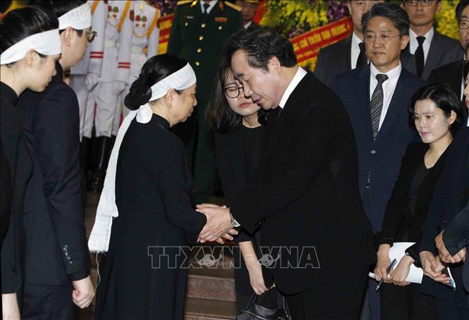 Nhiều đoàn lãnh đạo các nước đến viếng Chủ tịch nước Trần Đại Quang - Ảnh 5
