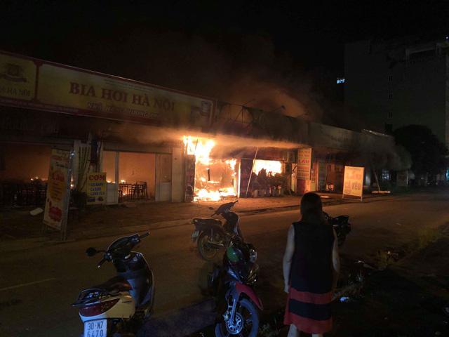 Tin tức thời sự 24h mới nhất ngày 28/9/2018: Khung sắt công trình trên cao rơi đè chết cô gái đi đường - Ảnh 2