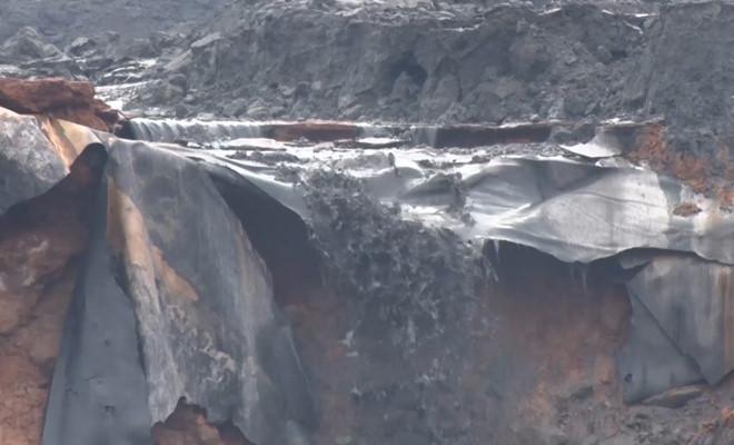 """Vụ vỡ đập chứa, 45.000 m3 bùn thải tràn vào nhà dân: """"Sự cố rất nghiêm trọng"""" - Ảnh 1"""