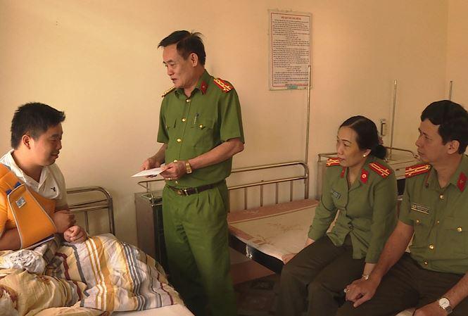 Trung úy công an bị nghi phạm lái xe máy tông trọng thương - Ảnh 1