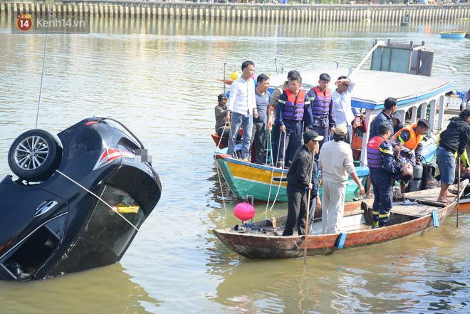 Vụ ô tô lao xuống sông Hoài, 3 người chết: Nhói lòng hình ảnh thi thể bé trai 6 tuổi kẹt trong xe - Ảnh 6