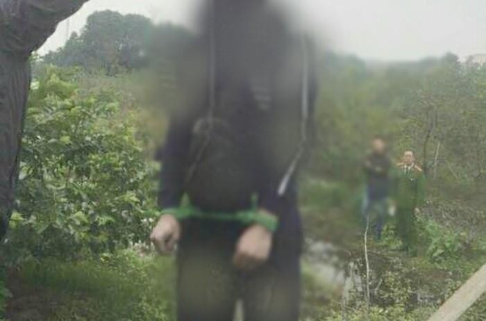 Nhân chứng vụ thi thể thanh niên treo cổ, 2 tay bị trói ở Hà Nội kể gì? - Ảnh 2