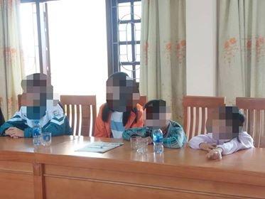 Người bố bạo hành 3 con nhỏ bỏ nhà đi cùng người phụ nữ khác? - Ảnh 1