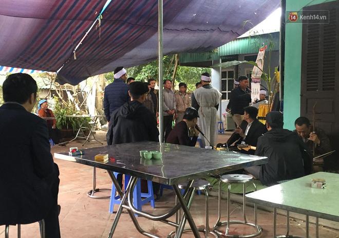 Vụ tài xế taxi tử vong nghi bị cứa cổ ở Hà Nội: Hé lộ đặc điểm nhận dạng nghi phạm - Ảnh 1