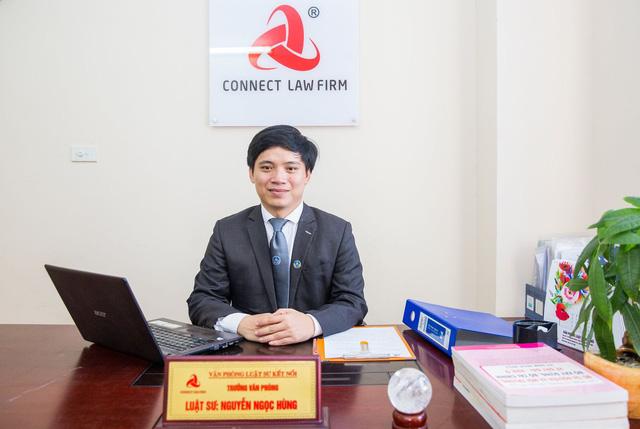Từ vụ Mercedes gây tai nạn chết người ở Hà Nội: Nên cấm sử dụng giày cao gót lái xe? - Ảnh 2