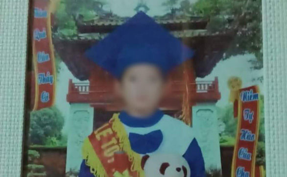 Vụ mẹ kế nghi sát hại con chồng ở Tuyên Quang: Lần ra manh mối từ vết lạ tay áo nghi phạm - Ảnh 1