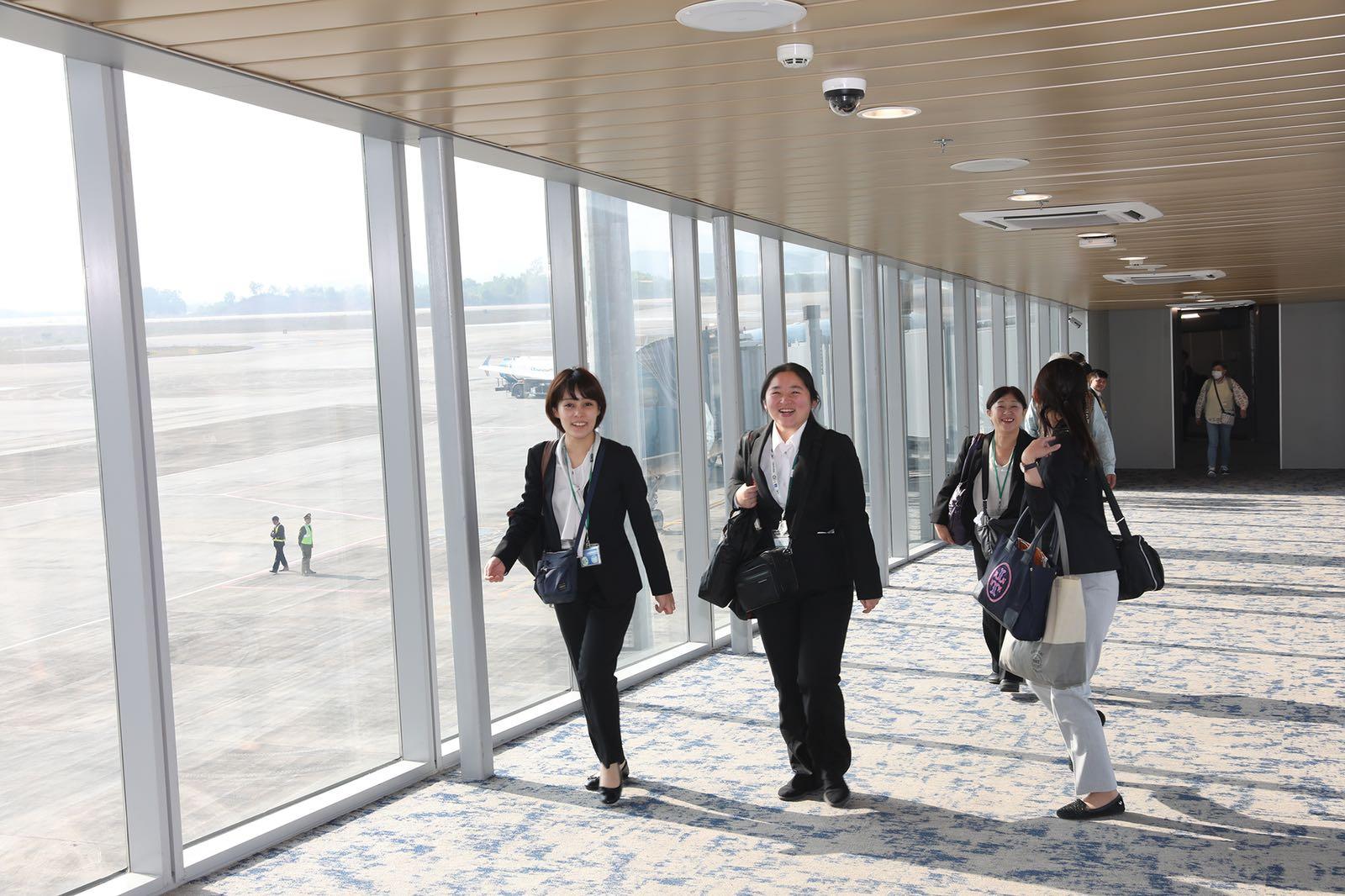 Hai chuyến bay từ Nhật Bản hạ cánh xuống sân bay quốc tế Vân Đồn - Ảnh 1