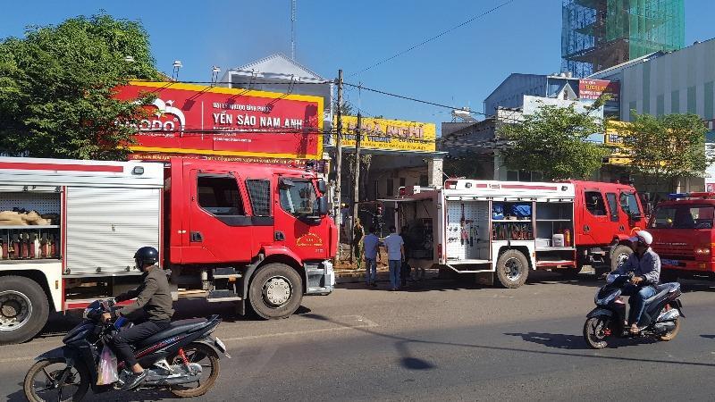Nghi khách thuê phòng đốt nhà nghỉ rồi bỏ chạy ở Bình Phước - Ảnh 1
