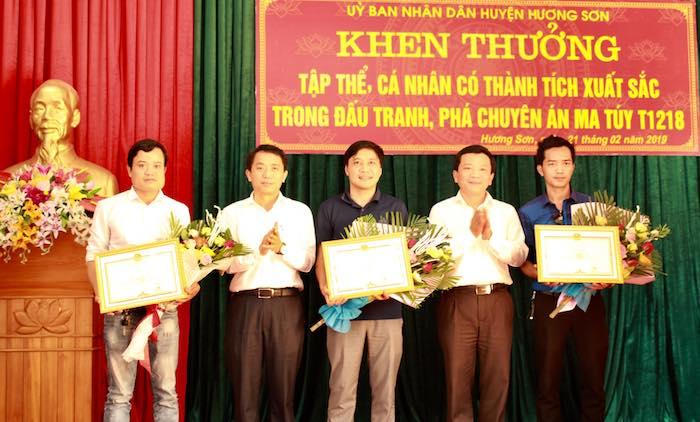 Khen thưởng nhóm PV tham gia phá án nóng ma tuý - Ảnh 4