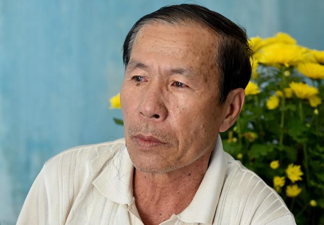 Vụ Việt kiều bị tạt axit, cắt gân chân: Bố nạn nhân tiết lộ người con trai cả vẫn gọi điện về - Ảnh 1