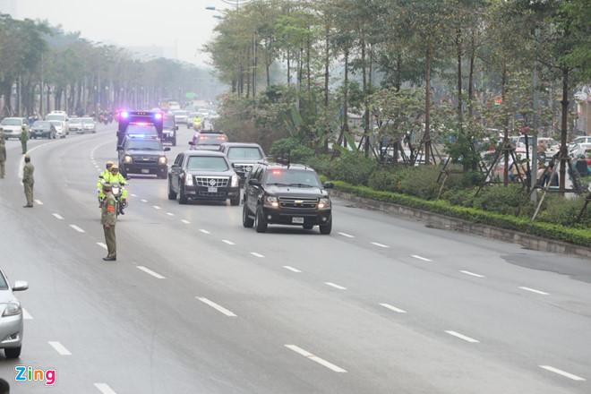 """Video: Tiết lộ số lượng xăng xe """"quái thú"""" của Tổng thống Trump nạp ở Hà Nội - Ảnh 2"""