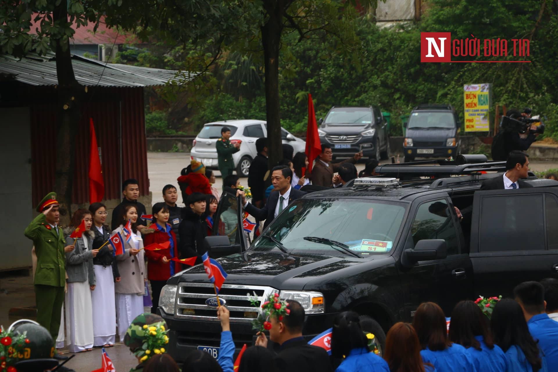 [Trực tiếp] Cận cảnh lực lượng an ninh dày đặc quanh khách sạn nơi Chủ tịch Kim Jong-un vừa có mặt - Ảnh 20