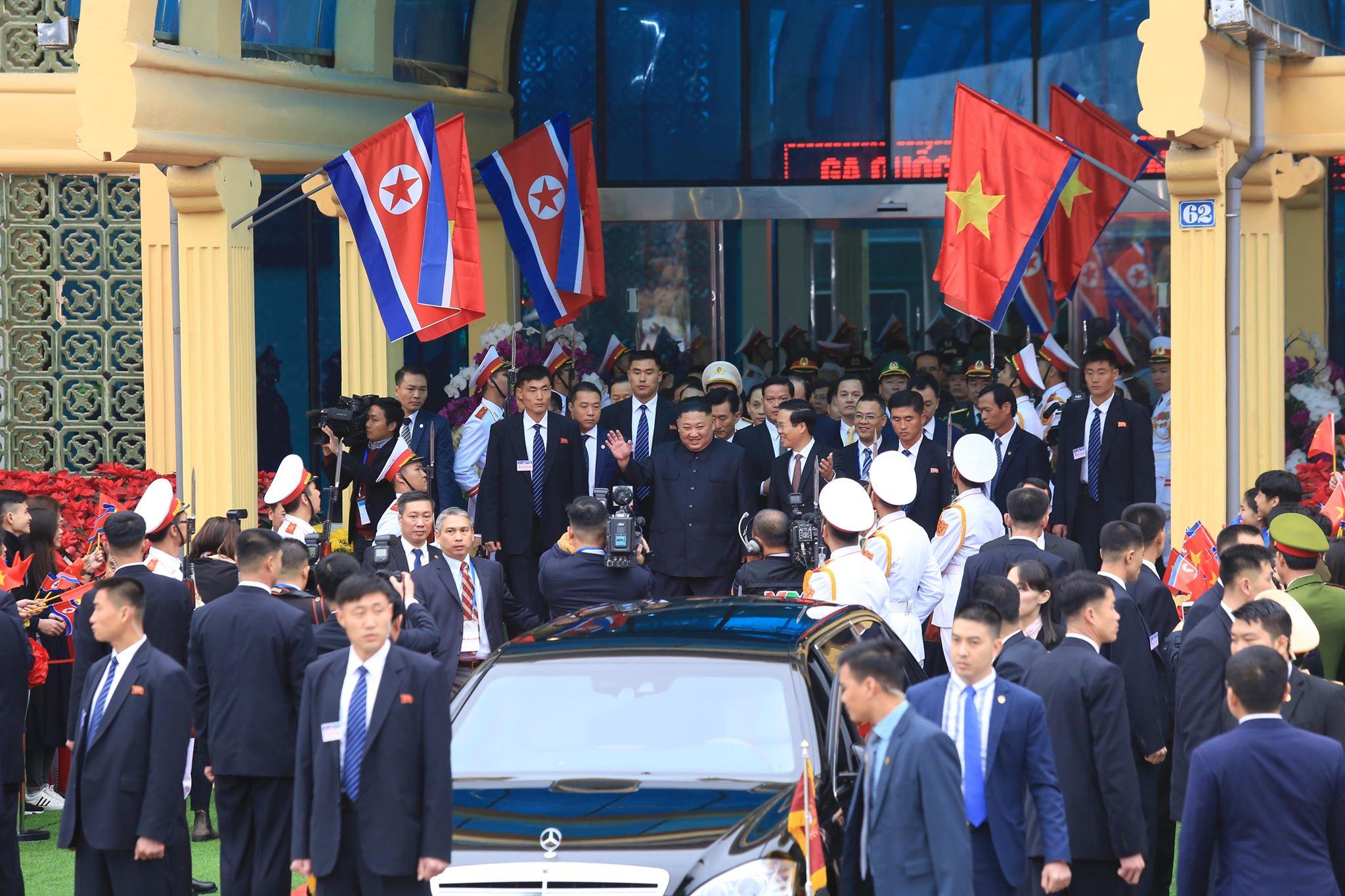 [Trực tiếp] Cận cảnh lực lượng an ninh dày đặc quanh khách sạn nơi Chủ tịch Kim Jong-un vừa có mặt - Ảnh 21