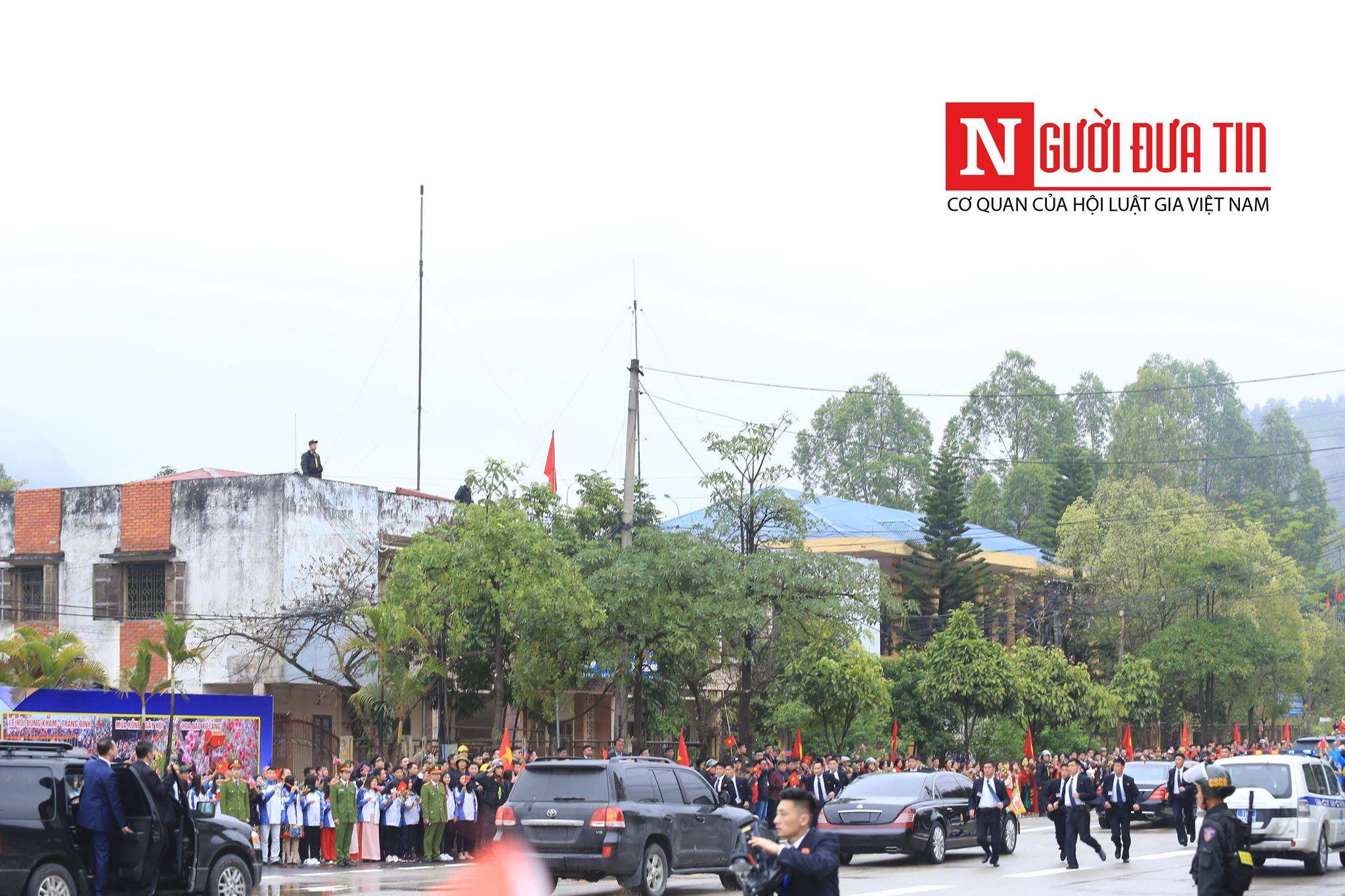 [Trực tiếp] Cận cảnh lực lượng an ninh dày đặc quanh khách sạn nơi Chủ tịch Kim Jong-un vừa có mặt - Ảnh 10
