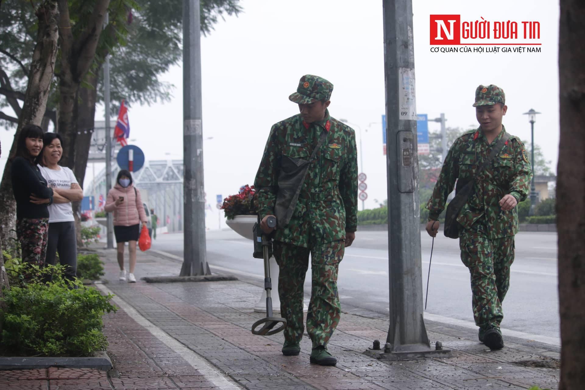 [Trực tiếp] Cận cảnh lực lượng an ninh dày đặc quanh khách sạn nơi Chủ tịch Kim Jong-un vừa có mặt - Ảnh 17