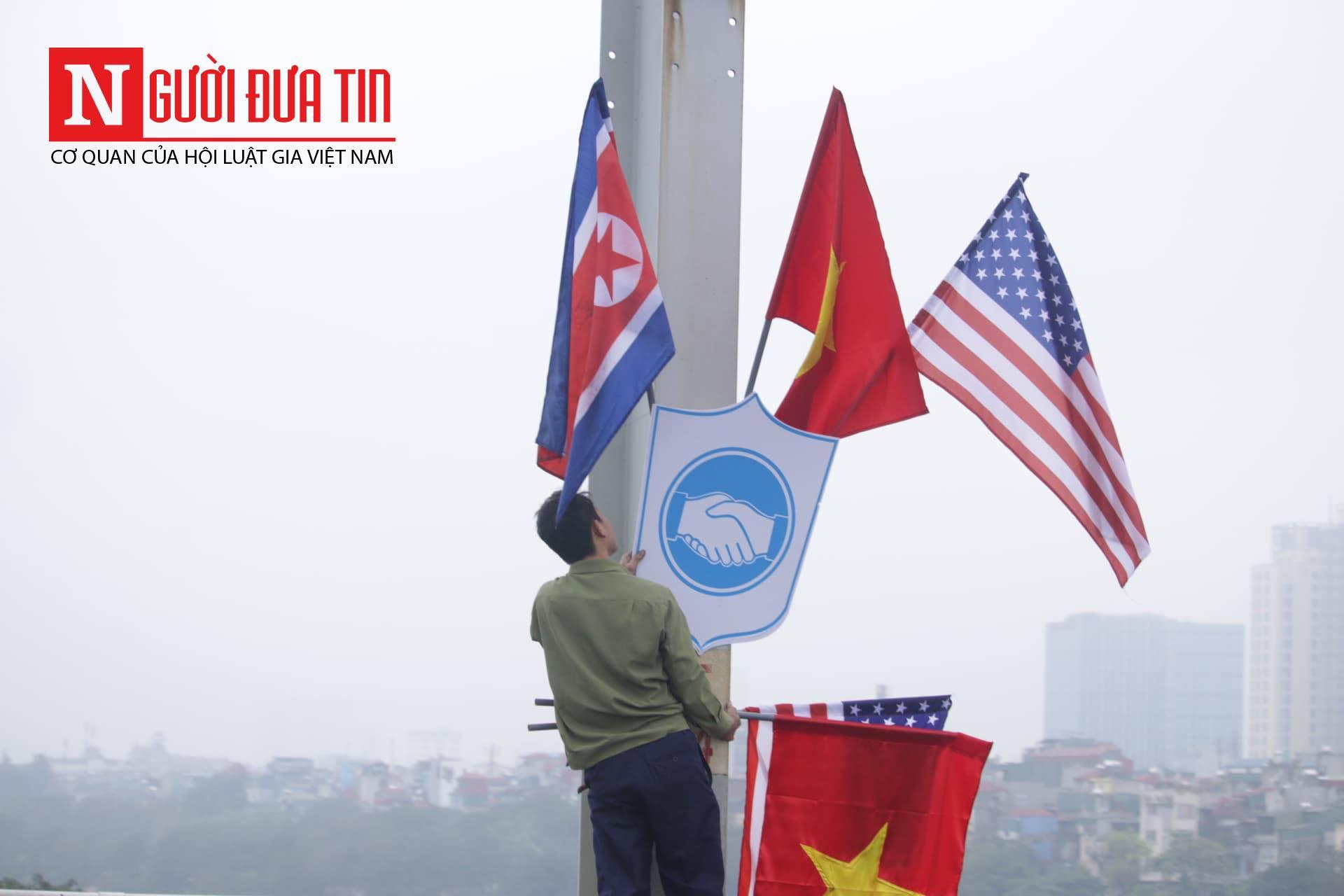 [Trực tiếp] Cận cảnh lực lượng an ninh dày đặc quanh khách sạn nơi Chủ tịch Kim Jong-un vừa có mặt - Ảnh 16