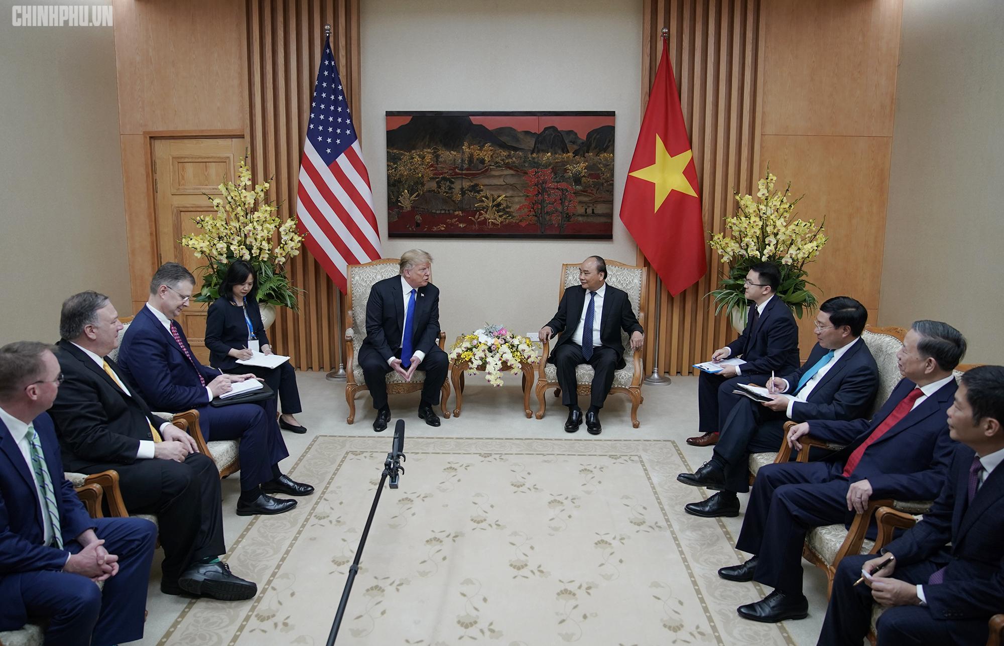Thủ tướng Nguyễn Xuân Phúc đón Tổng thống Hoa Kỳ Donald Trump - Ảnh 11