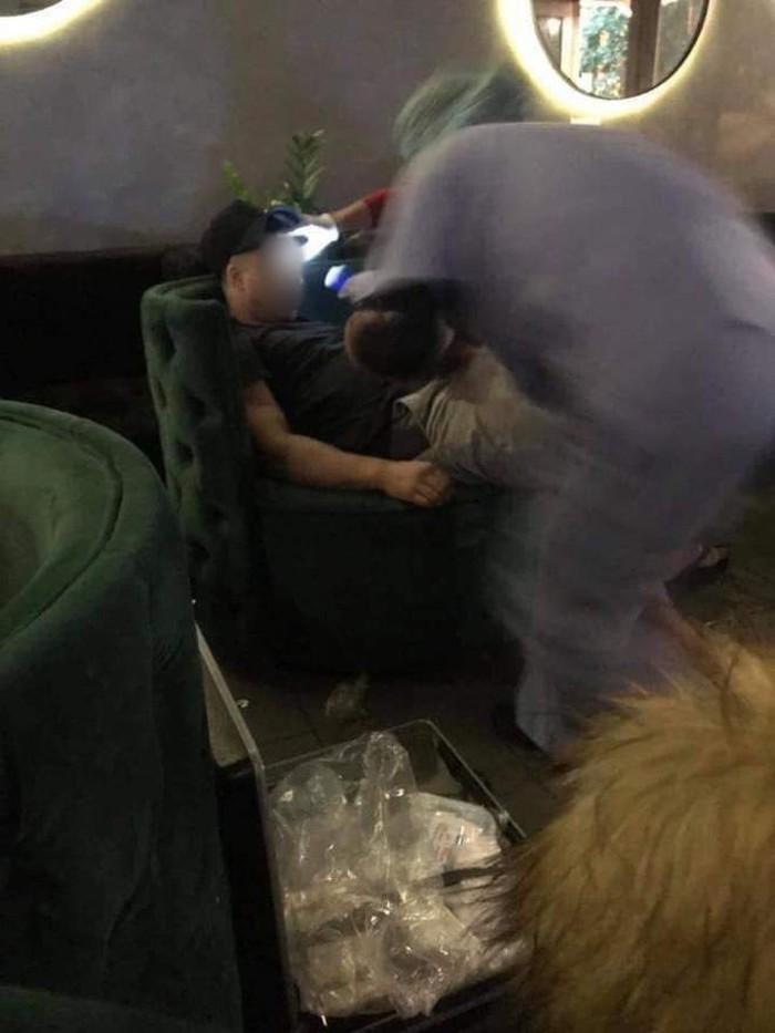 Danh tính du khách nước ngoài tử vong trong quán cà phê ở phố cổ Hà Nội - Ảnh 2
