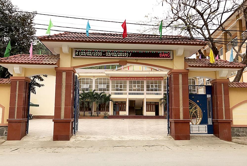 Nghệ An: Chưa tốt nghiệp THPT vẫn làm Phó Chánh văn phòng huyện ủy - Ảnh 1